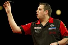 World Grand Prix Darts live streaming : Phil Taylor, Adrian Lewis v Kevin Painter & James Wade feature