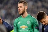 Everton v Man Utd: Back cards and hosts to score