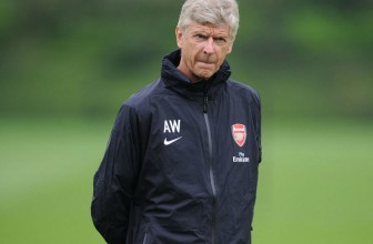 Not signing defender will be a risk, says Wenger
