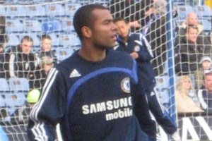 Manchester United line up audacious bid for Ashley Cole