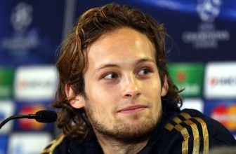 Daley Blind gives warning to current and future players