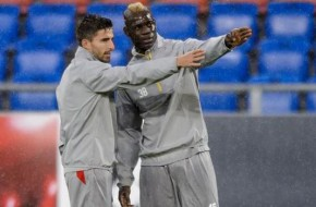 Italians strikers Mario Balotelli and Fabio Borini won't be leaving Anfield, says agent