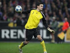 Arsenal to move for Lyon goalkeeper Lloris