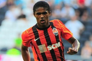 Douglas Costa wants to join Chelsea