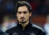 Manchester United happy to wait for Mats Hummels